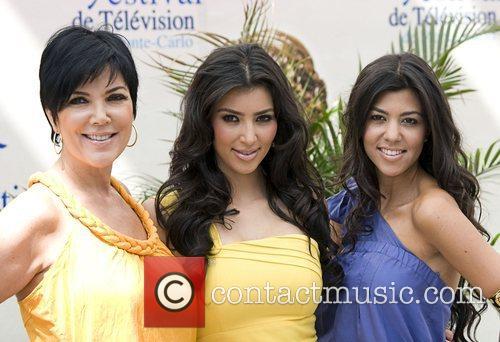 Kim Kardashian, Kourtney Kardashian and Kris Kardashian 7