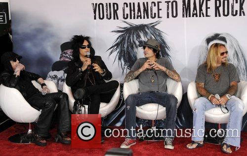 Motley Crue, Tommy Lee and Vince Neil 4