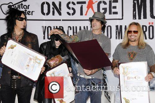Motley Crue, Tommy Lee and Vince Neil 2