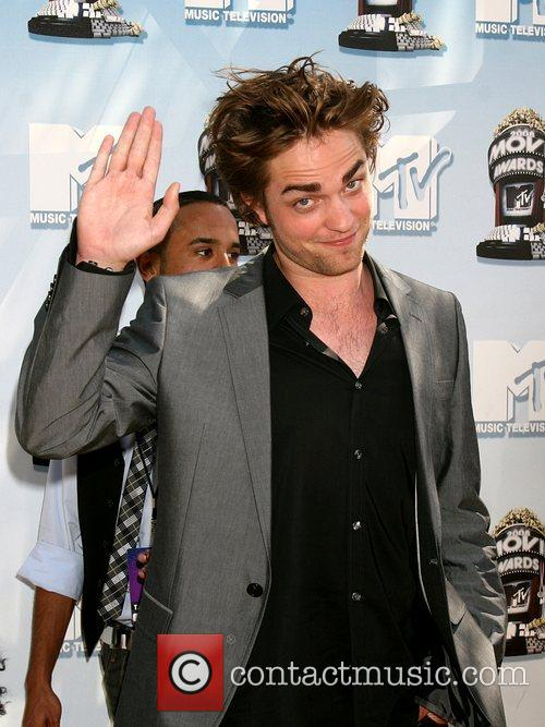 Robert Pattinson and Mtv 2
