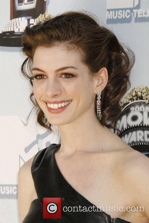 Anne Hathaway and Mtv 3
