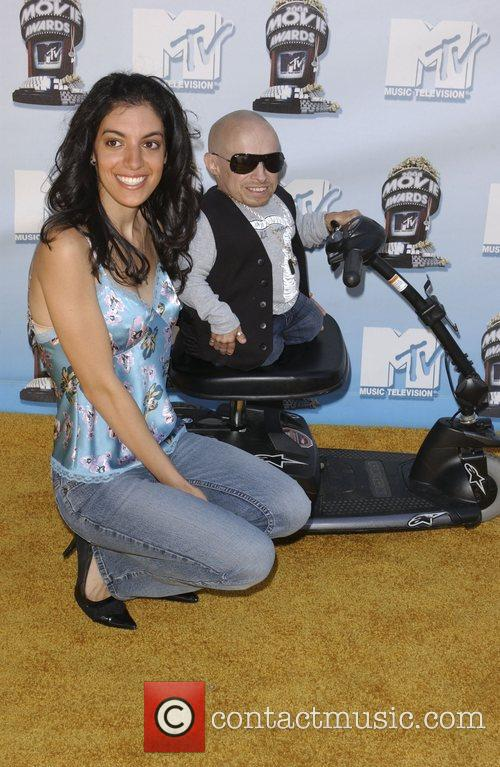 Verne Troyer and Mtv 7