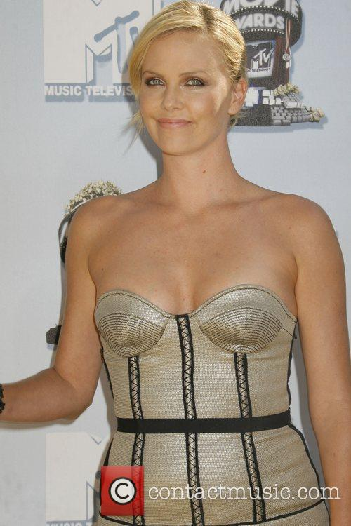 Charlize Theron and Mtv 5