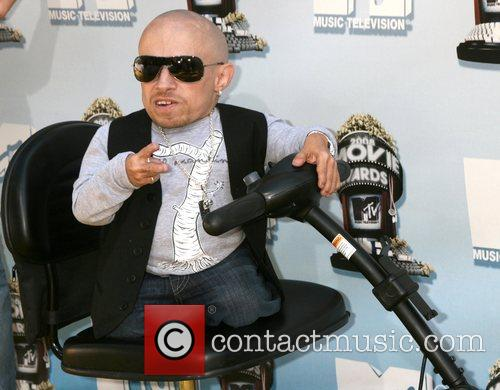 Verne Troyer and Mtv 3