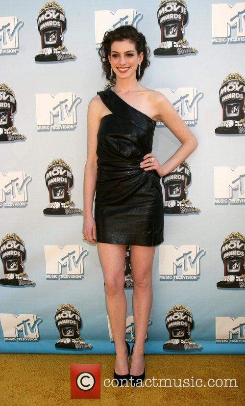 Anne Hathaway and Mtv 5
