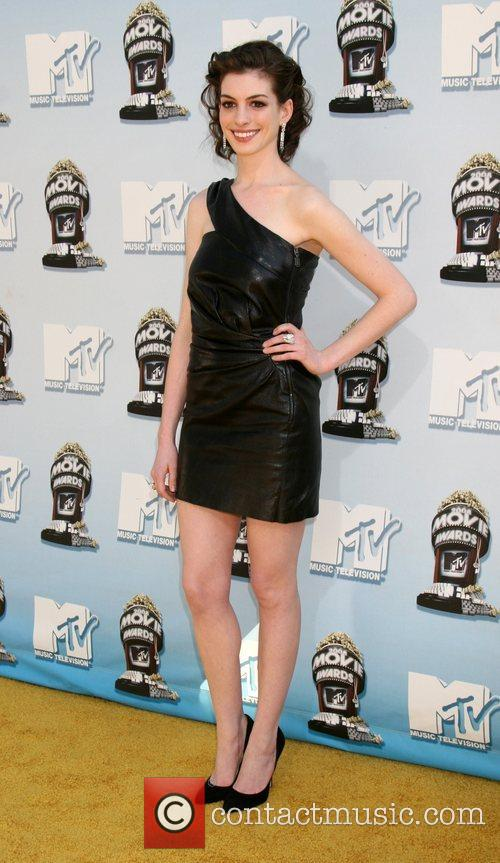Anne Hathaway and Mtv 4