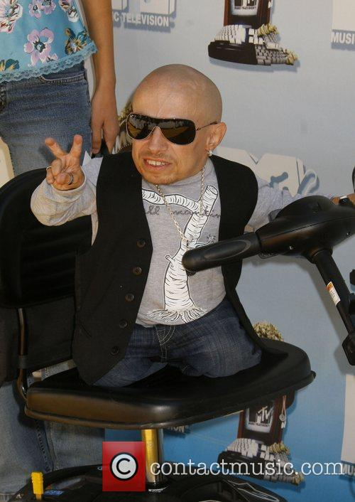 Verne Troyer and Mtv 5