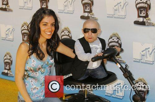 Verne Troyer and Mtv 6