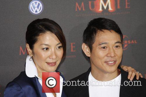 Michelle Yeoh and Jet Li 5