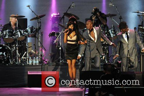 Amy Winehouse and Nelson Mandela 4
