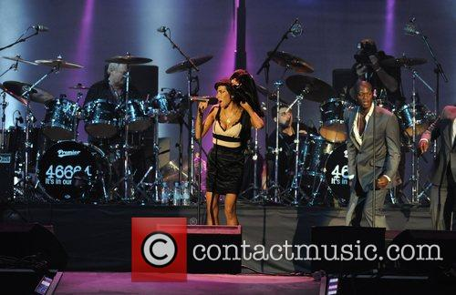 Amy Winehouse and Nelson Mandela 6