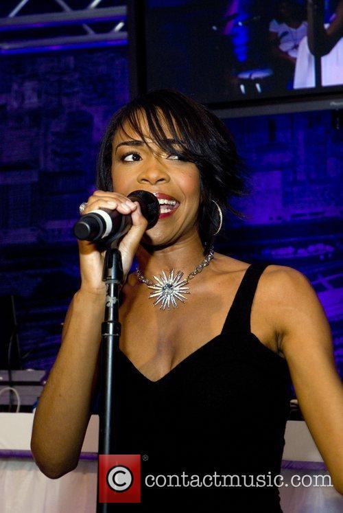 Performs at the Niche Media Michigan Avenue Launch...
