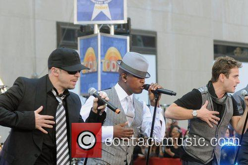 Ne-Yo with New Kids on the Block New...