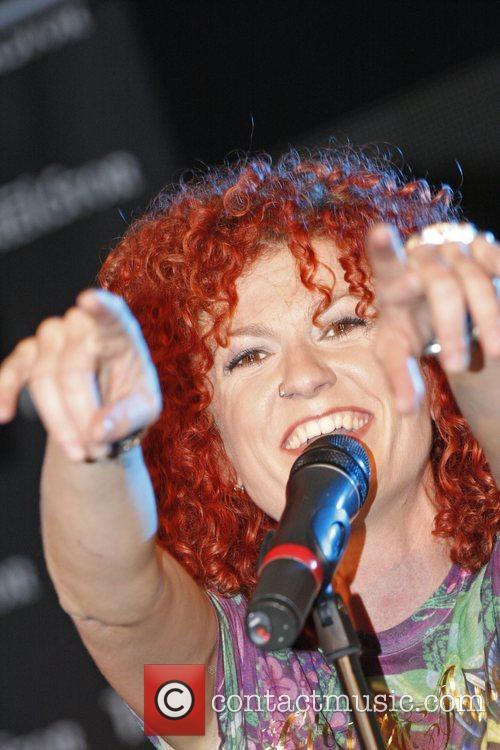 Lucy Diakovska 2