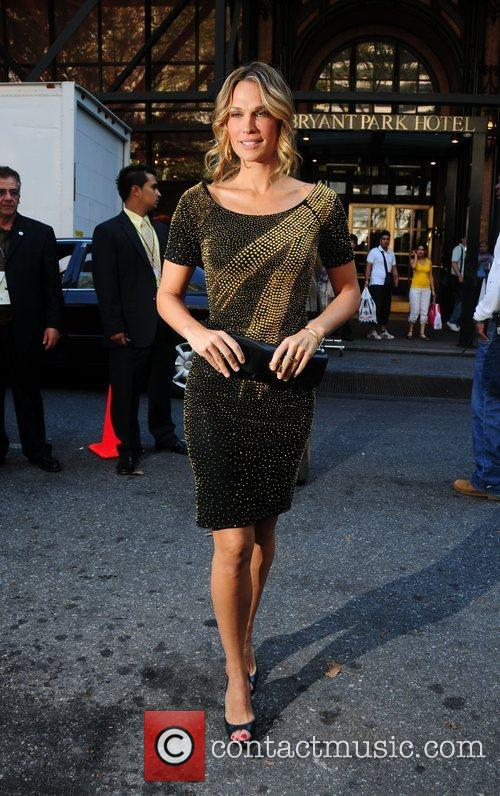 Molly Sims Mercedes-Benz Fashion Week Spring 2009 -...