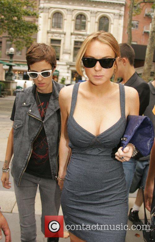 Dj Samantha Ronson and Lindsay Lohan 4