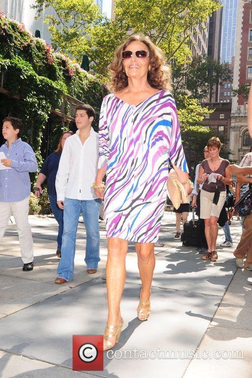 Mercedes-Benz Fashion Week Spring 2009 - Diane von...