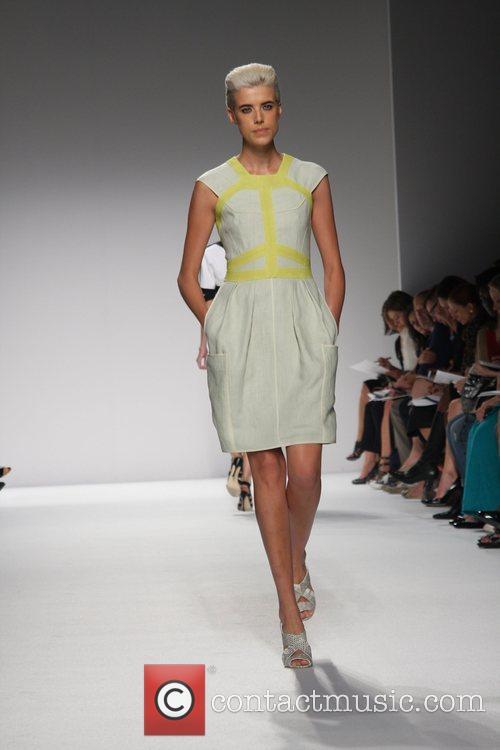 Agyness Deyn Mercedes-Benz Fashion Week Spring 2009 -...