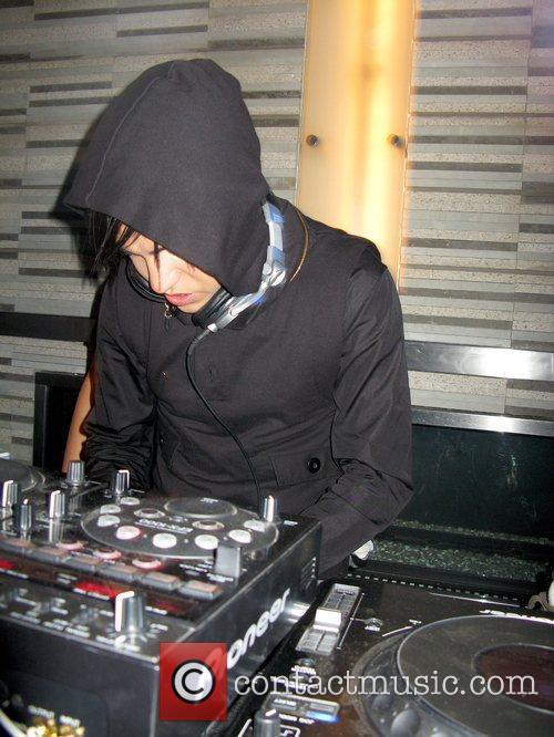 Pete Wentz DJ set Palms Place Hotel and...