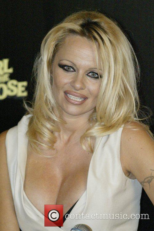 Pamela Anderson 35