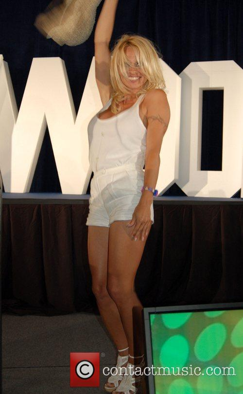 Pamela Anderson, Planet Hollywood