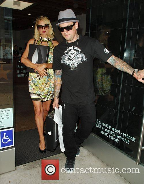 Benji Madden purchases a Macbook for himself and...