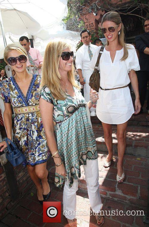 Paris Hilton and Sister Nicky Hilton 7