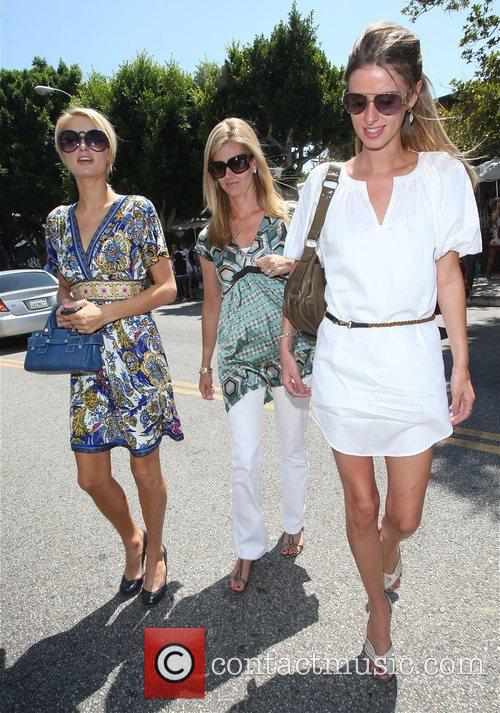 Paris Hilton and Sister Nicky Hilton 6