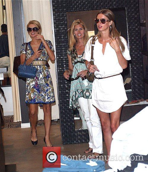 Paris Hilton and Sister Nicky Hilton 9