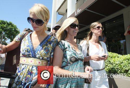 Paris Hilton and Sister Nicky Hilton 5