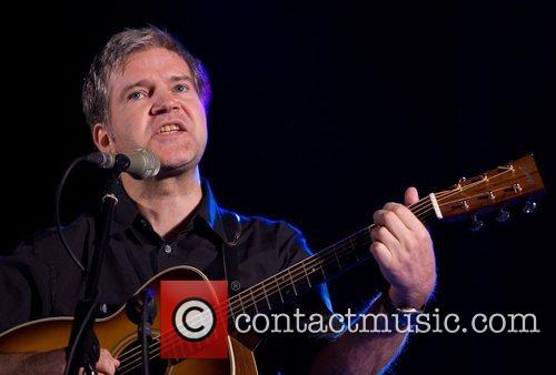 Lloyd Cole performing live at Parque Central