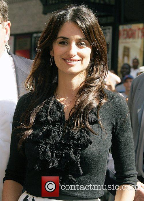 Penelope Cruz and David Letterman 10