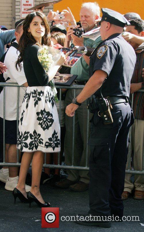 Penelope Cruz and David Letterman 15