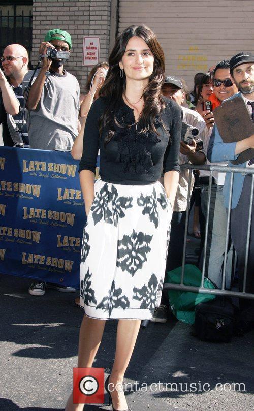 Penelope Cruz and David Letterman 13