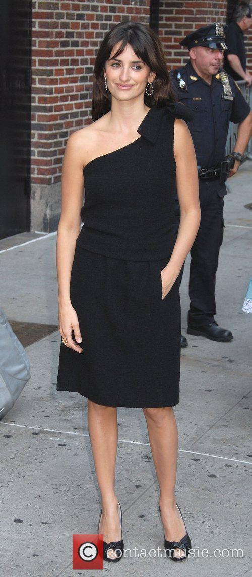 Penelope Cruz and David Letterman 6