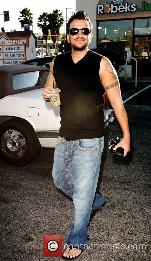 Peter Andre Stops at a Starbucks coffee shop...