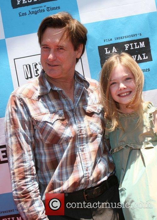 Bill Pullman and Elle Fanning 7