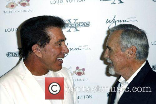 Steve Wynn and Dennis Hopper 2