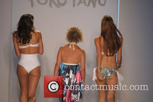 Paola Robba and models Poko Pano 2009 collection...