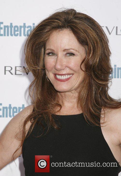 Mary Mcdonnell 7