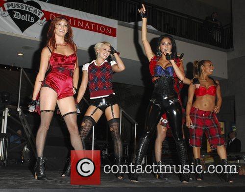 Jessica Sutta, Kimberly Wyatt, Nicole Scherzinger and Melody...