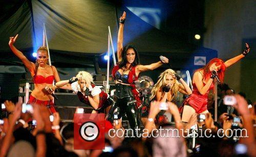 Melody Thornton, Kimberly Wyatt, Nicole Scherzinger, Ashley Roberts...