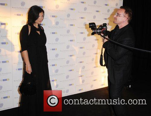 Bono, His Wife Ali Hewson and Hampton Court Palace 9