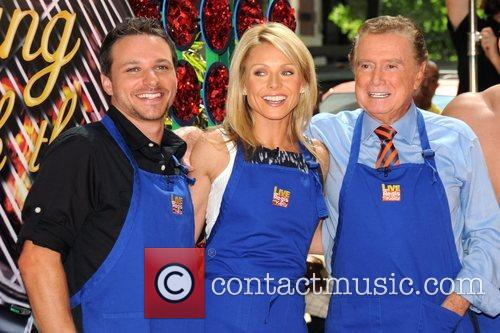 Drew Lachey, Kelly Ripa and Regis Philbin 8