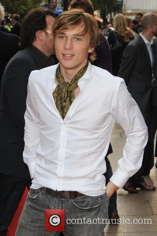 http://www.contactmusic.com/pics/la/righteous_kill_premiere_4_140908/william_moseley_2074717.jpg
