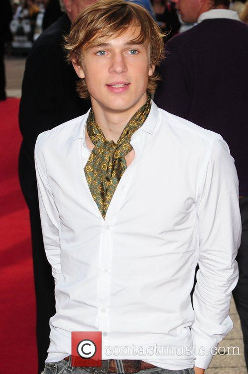 http://www.contactmusic.com/pics/la/righteous_kill_premiere_4_140908/william_moseley_2074758.jpg