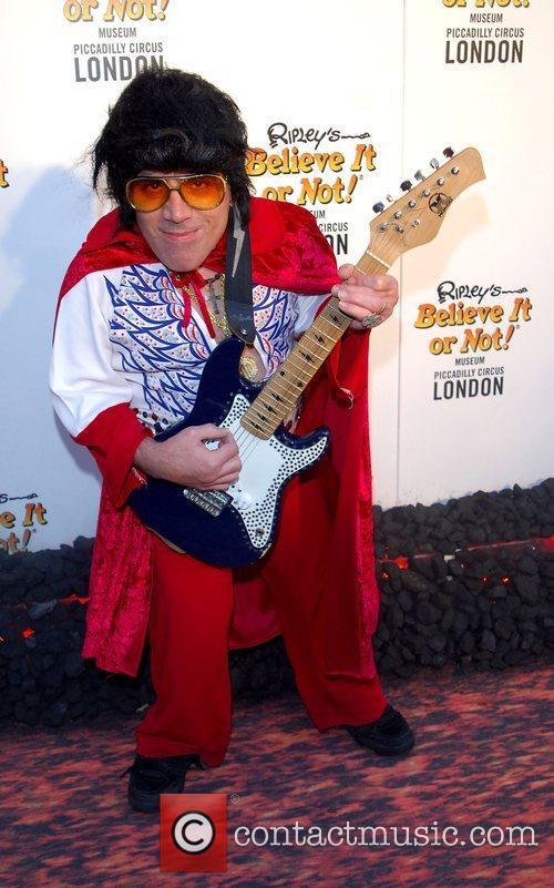 Tiny Elvis 10