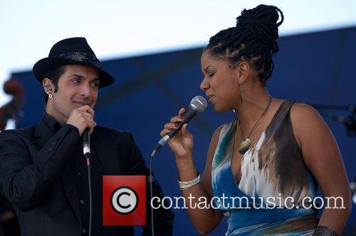 Ala dos Namorados and Nancy Vieira performing live...