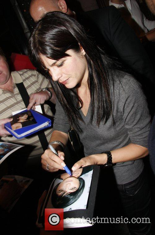Selma Blair signing autographs when she leaves Borchardt...