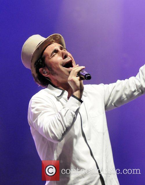 serj tankian performing live at the wiltern theatre in los angeles 2007329